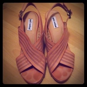 Wedges from Buckle size 7.5